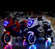 Xe moto điện 1200cc đầy màu sắc, xe nhỏ gọn, thích hợp cho các bé từ 2-4 tuổi. Xem thêm tại:  www.facebook.com/babybikestore www.babybikestore.com Ems, Electric, Bike, Facebook, Children, Bicycle, Young Children, Boys, Kids