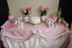 pretty pink party table