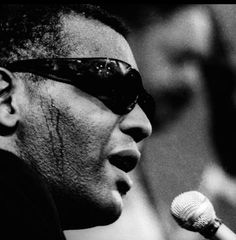 Ray Charles - Come Rain or Come Shine. Jukebox, Shine Song, Old Song, Old Music, Ray Charles, Film Books, Wedding Songs, Me Me Me Song, Blues