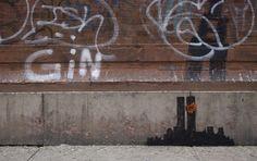 Banksy podría fungir como el héroe de ciudad Gótica, en esta caso Nueva York, aunque no es lo que cree la policía de Nueva York