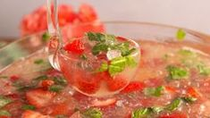 A delicious cocktail punch for a crowd with Brew Glitter! day dinner for a crowd Brunch Punch Yummy Recipes, Easy Brunch Recipes, Healthy Brunch, Punch Recipes, Brunch Punch, Brunch Drinks, Beer Cocktail Recipes, Le Mimosa, Food For A Crowd