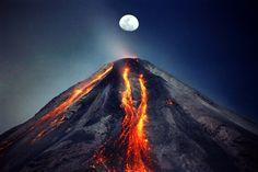 Volcán de Colima & The Moon