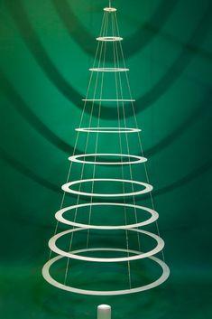 Contemporary Christmas Tree Decoration Ideas You'll Love it Christmas Tree Ring, Large Christmas Tree, Hanging Christmas Tree, Christmas Crafts For Gifts, Outdoor Christmas Decorations, Christmas In July, Xmas Tree, Christmas Diy, Christmas Ornaments
