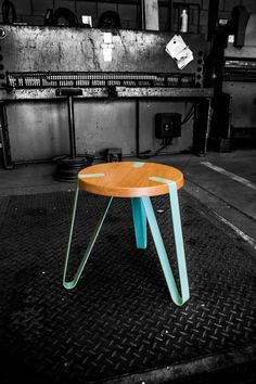Level stool by Erik Remmers