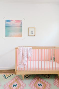 Using Pantone 2016 Colors of the Year to decorate a nursery.