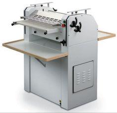 Formadora Artesanal Italiana, Maquinaria de Panaderia, Maquinaria de Pasteleria, La formadora adaptada para crear diferentes formas y multiples panes.