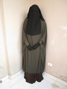Olive Green Abaya with Niqab and Gloves                                                                                                                                                                                 Mehr