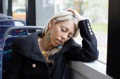 Burnout wird zu Unrecht als Modekrankheit bezeichnet und bedeutet weit mehr als nur Erschöpfung. Es gibt bestimmte Anzeichen, die ziemlich eindeutig für das Burnout-Syndrom sind.