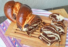Cozonac bicolor cu cacao și cremă de ciocolată - extra pufos și moale | Savori Urbane Love Chocolate, Soul Food, Bread Recipes, Healthy Recipes, Healthy Foods, Deserts, Food And Drink, Xmas, Sweets