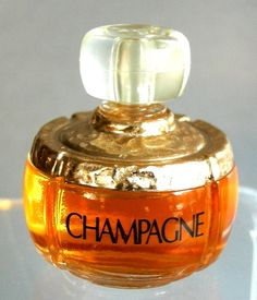 YSL Champagne mini at Miniature Perfume Shoppe. Perfume Scents, Perfume Recipes, Vintage Ysl, Cosmetics & Fragrance, Best Perfume, Vintage Perfume Bottles, Scented Candles, Evening Makeup, Fragrance