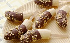 Chocolate Covered Frozen Banana Pops recipe from Ellie Krieger via Food Network Healthy Treats, Healthy Desserts, Delicious Desserts, Dessert Recipes, Healthy Eating, Healthy Foods, Baker Recipes, Cold Desserts, Healthy Detox