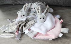 """I wanted to make a blanket for my little baby-niece shrimp, but with a head """"not flat"""", and the head in the middle of the blanket. no idea … but needed by Couture Sewing, My Little Baby, New Years Eve Party, Sewing Tutorials, Sewing Ideas, Free Pattern, Pattern Sewing, Diy And Crafts, Blanket"""