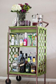 Check out this beautiful BYGEL bar cart DIY @theflairexchange.com!