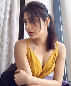 Bollywood Stars, Bollywood Fashion, Bollywood Celebrities, Bollywood Actress, Bollywood Pictures, Brown Skin Girls, Beautiful Indian Actress, Indian Girls, Girl Model