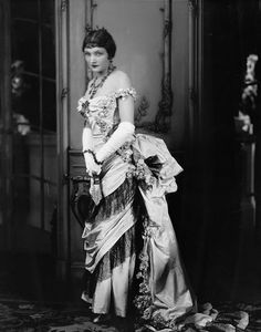 Katherine Cornell as Ellen Olenska in Age of Innocence (1929) NYC: Empire Theatre.