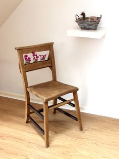 Chapel chair with scorched wood stretchers