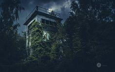 """Um dem """"versteckten"""" Turm etwas geheimnisvolles zu verleihen, habe ich dem Foto in der Nachbearbeitung einen entsprechenden Look verpasst."""