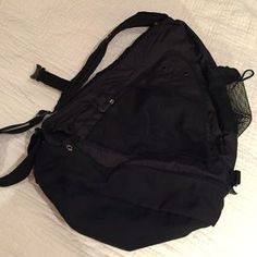 I just discovered this while shopping on Poshmark: Ameribag Healthy Back bag. Check it out! Price: $43 Size: OS, listed by ringmasterof6