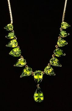 ~VAULTED~ Essence of a woman Green Jewels. ~LadyLuxury~