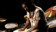 Steve Jordan at his Yamahas. Love the wood hoops on the toms! Steve Jordan, Music Pictures, Drummers, Percussion, Yamaha, Musicians, Jazz, Jordans, Toms
