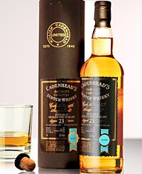 Highland Park Cadenhead's Authentic Collection 23Y Cask Strength 1985/2008 271 bottles 50.1% #itaste #ilike #sits12 HP, another malt past its peak according to connoisseurs. True? Well, this is an oak cask, unpeated, so not easy to compare with current bottlings. But extremely soft, with a lot going on. Some zilty notes, on a floral palate. Very classic. With some off notes though. But wow, what an HP? No, I'll have to digg deeper to be overwhelemd by HP. For now, an occasional 12Y will do.
