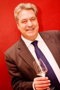 """Gregorio Martín Zarco, presidente DO La Mancha: """"El consumo de nuestros vinos en el exterior es vital para la supervivencia del sector"""" http://www.vinetur.com/2013050612244/gregorio-martin-zarco-presidente-do-la-mancha-el-consumo-de-nuestros-vinos-en-el-exterior-es-vital-para-la-supervivencia-del-sector.html"""