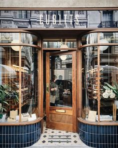 Lusting Upon cubitts Retail Facade, Shop Facade, Architecture Restaurant, Restaurant Design, Design Commercial, Commercial Interiors, Shop Front Design, Store Design, Cafe Interior