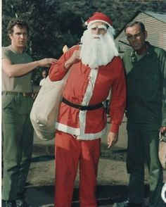 Amazon.com: PHOTO D6228 MASH Alan Alda Christmas Santa Claus: Entertainment Collectibles