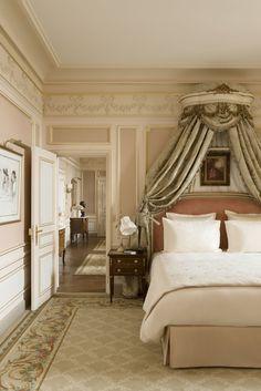 The César Ritz suite overlooks the Place Vendôme.