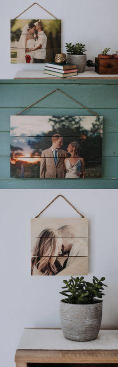 Photo Pallet Sign- I love this so much! #photosign #romanticgift #valentiinegift #anniversarygift {aff}