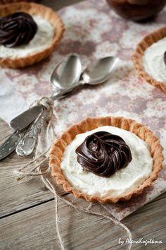 Tartlets With Mascarpone Cream and Coffee Ganache