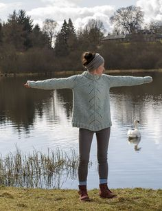 Swan Dance pattern by Kate Davies Designs Ravelry: Carbeth Swan Dance pattern by Kate Davies // actually, the water Sweater Knitting Patterns, Knitting Designs, Knitting Yarn, Knit Patterns, Knitting Projects, Hand Knitting, Cool Sweaters, Sweaters For Women, Blue Eyeshadow Looks