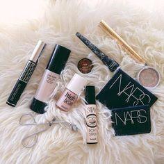 ✕✧we ғoυnd love. Kiss Makeup, Love Makeup, Makeup Inspo, Makeup Inspiration, Hair Makeup, Makeup Items, Makeup Brands, Makeup Products, Beauty Products