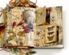 Art journal ideas - I like how the covers of the inserts match the page colors and the insides are contrasting
