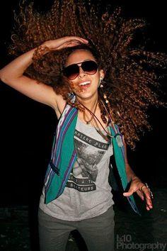 crazy-natural-hair-lovers:  Gotta love curly natural hair