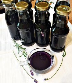 Sirop natural de lavanda New Recipes, Cooking Recipes, Healthy Recipes, Romanian Food, Romanian Recipes, Jacque Pepin, Artisan Food, Preserving Food, Healthy Drinks