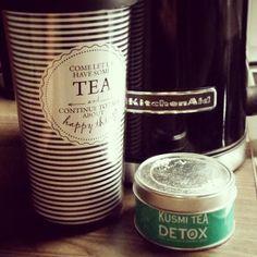 tea time....#tafelgut #kusmitea #kitchenaid #bellissimo #teatime #detox #endlichfeierabend #testmonster #testmonsterblog