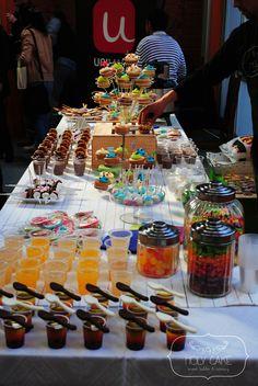<3 Sweet table Teletón www.holycake.cl