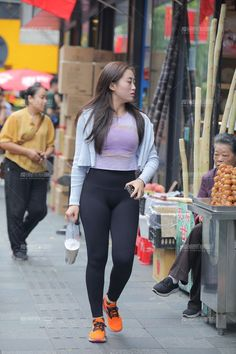 Sexy Girl, Sexy Asian Girls, Yoga Pants Girls, Girls In Leggings, Candid Girls, Korean Girl Fashion, Fashion Tights, Brunette Girl, Sexy Women