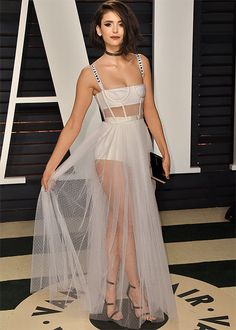 Top 5 looks maravilhosos do red carpet: Nina Dobrev - Guita Moda Vestidos Off White, Look Star, Weekend Dresses, Vanity Fair Oscar Party, Red Carpet Looks, Celebs, Celebrities, Red Carpet Fashion, Mannequins