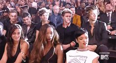Rihanna & One Direction React to Miley Cyrus Performance – Miley Cyrus VMAs Robin Thicke, Memes One Direction, I Love One Direction, 0ne Direction, Zayn, Miley Cyrus Performance, Rihanna, Imprimibles One Direction, Fanfiction