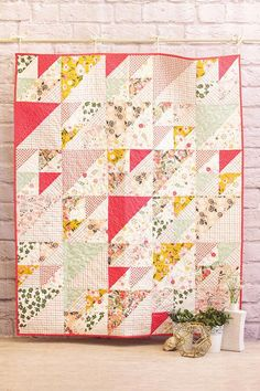 Ten Incredible Techniques For #babyquilts Patchwork Quilting, Scrappy Quilts, Easy Quilts, Mini Quilts, Patchwork Blanket, Quilting Fabric, Hand Quilting, Quilting Projects, Quilting Designs