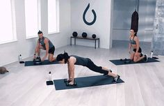 Dumbbell Workout: 5 Moves, 1 Full-Body Burn: Renegade Row to Frogger Exercise Compound Dumbbell Exercises, Dumbbell Workout, Strength Workout, Strength Training, Buttocks Workout, Workout For Beginners, Full Body, Total Body, Glutes
