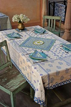 Ideia para uma linda toalha e guardanapos