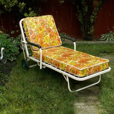 Vintage Simmons Chaise Lounge