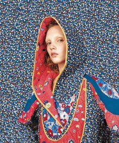 Folk Floral Inspiration trends fashion photoshoot