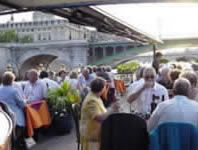 Boat Calife : dinner and cruise on the Seine River in Paris