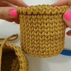 The most beautiful Crochet basket and straw models Love Crochet, Crochet Motif, Diy Crochet, Crochet Crafts, Crochet Hooks, Crochet Projects, Crochet Bowl, Tunisian Crochet, Crochet Basket Pattern