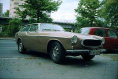 Volvo 1800ES Sportswagon - have you ever seen a happier looking car?