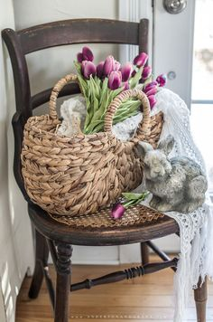 Learn how to create a simple vignette for spring in your own home with these tip. - - Learn how to create a simple vignette for spring in your own home with these tips! Porch Decorating, Decorating Your Home, English Decor, Different Textures, Spring Home, Bohemian Decor, Own Home, Seasonal Decor, Vignettes